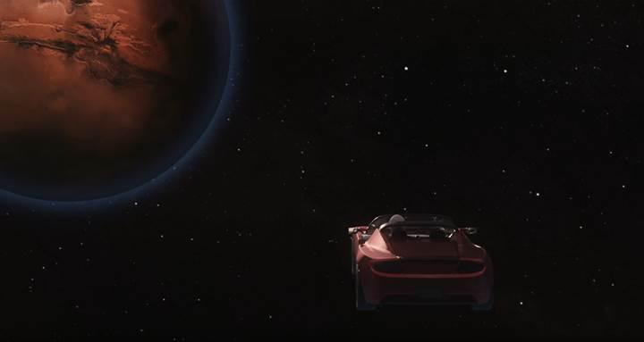 Elon Musk, yarın arabasını Mars'a gönderiyor: İşte yayınladığı muhteşem video