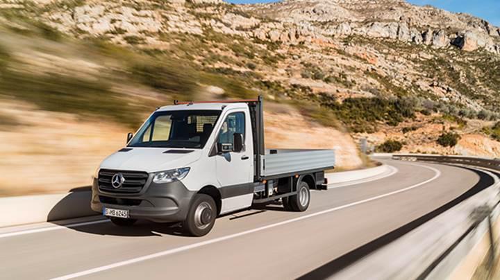 2018 Mercedes-Benz Sprinter resmi olarak tanıtıldı. İşte tüm özellikleri...