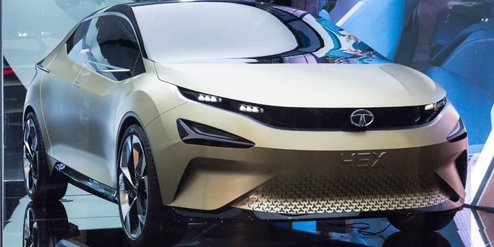 Tata, Yeni Delhi'de iki yeni konsept aracını tanıttı