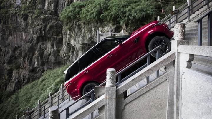 Range Rover Sport'tan Cennetin Kapısı'na 999 basamaklı tırmanış [video]