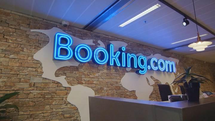 Booking.com geri dönüşün sinyalini Linkedin'den verdi