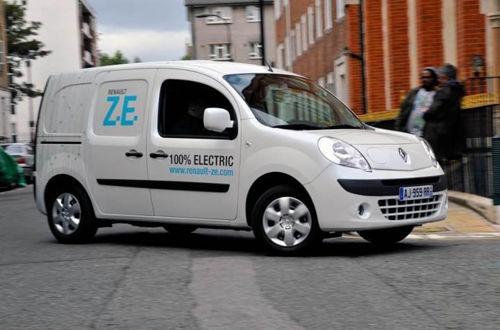 Renault, sadece elektrikli araçların satılacağı bir mağaza açıyor