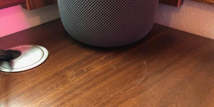Apple'ın akıllı hoparlörü HomePod ahşap yüzeylerde leke bırakıyor