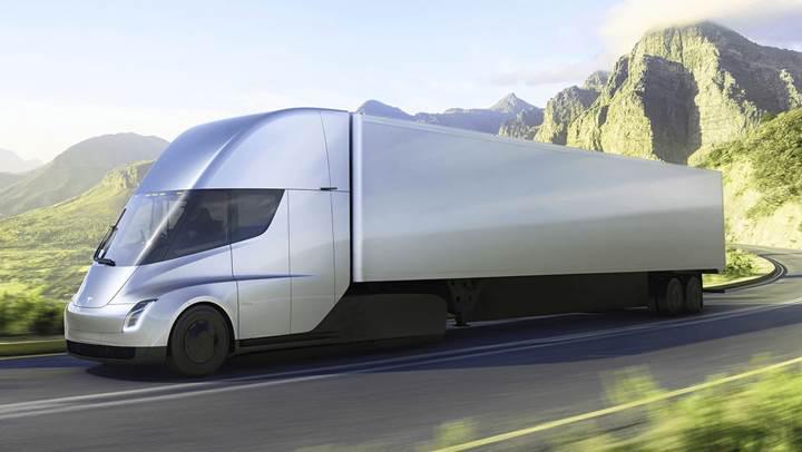 Elektrikli tır Tesla Semi'nin hızlanma videosu izleyenleri şaşkına çeviriyor