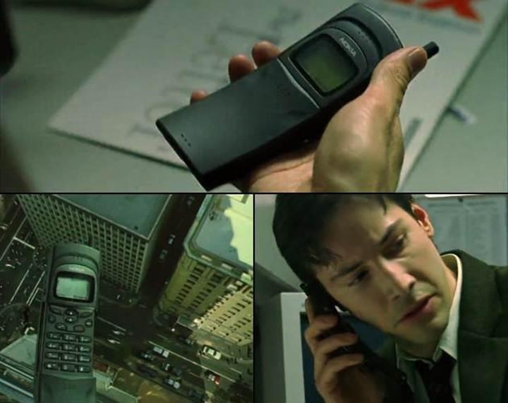 Matrix'teki telefon geri döndü: İşte karşınızda Nokia 8110 4G