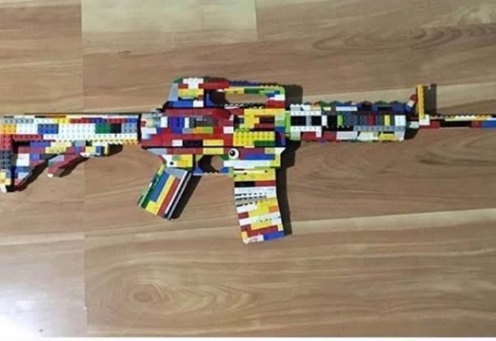 Lego'dan tüfek yapıp Instagram'da paylaşan lise öğrencisi tutuklandı