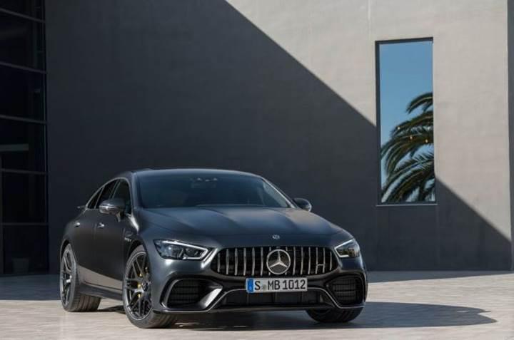 2018 Mercedes-AMG GT Coupe, 640 beygirlik motoruyla Cenevre'yi renklendirdi