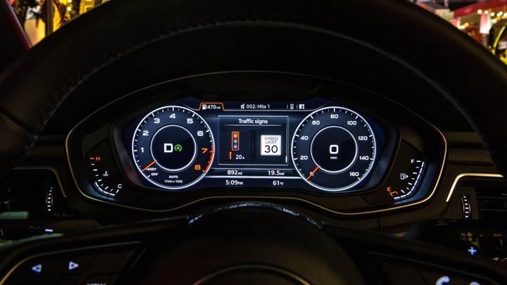 Audi, Trafik Işığı Bilgilendirme sistemini Washington'da kullanıma sundu