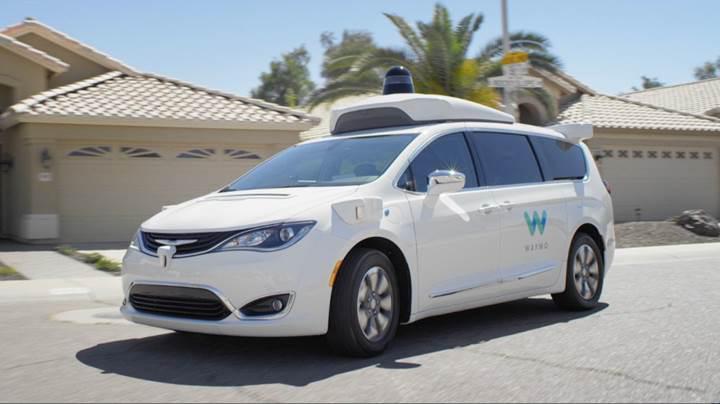 Waymo ücretsiz otonom test sürüşlerini başlattı