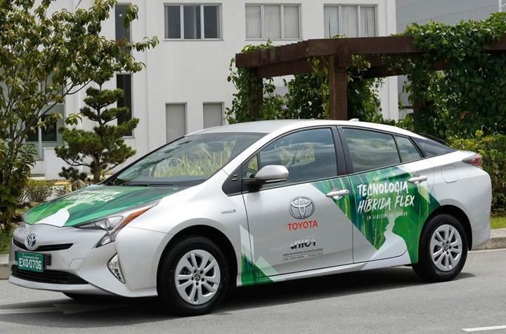 Toyota, etanol ile çalışan bir Prius prototipi geliştirdi