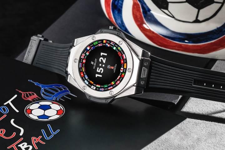 Hublot'un ilk akıllı saati 2018 Dünya Kupası teması ve uçuk bir fiyatla geldi