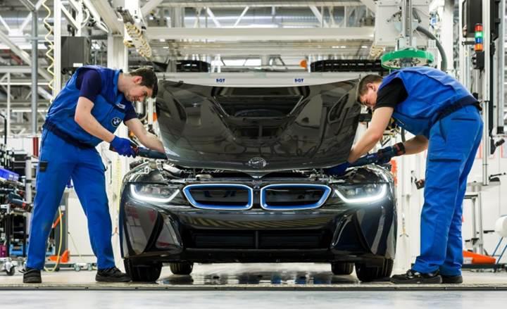 BMW'den önemli karar: Elektrikli otomobil üretimi 2020'ye ertelendi