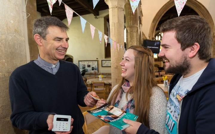 Kiliseler, Google ve Apple Pay ile bağış alacak
