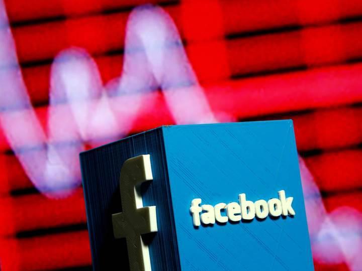 Facebook hisseleri tepetaklak, kayıp 100 milyar dolara dayandı