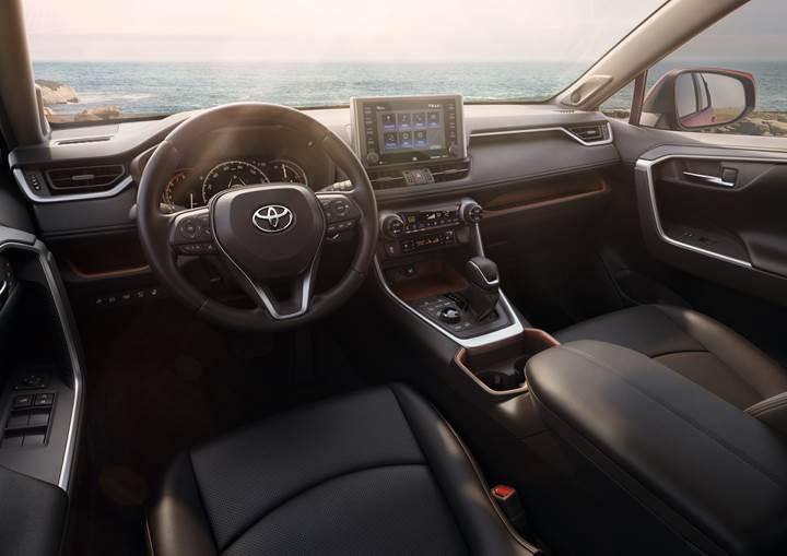 2019 Toyota RAV4, sert görüntüsüyle tanıtıldı