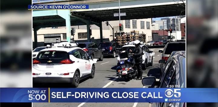 Sürücüsüz araca, yayaya yol vermediği için trafik cezası kesildi