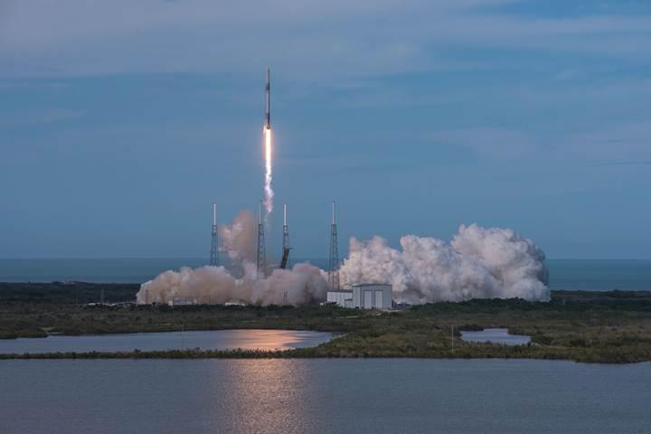 SpaceX, İTÜ'nün 100 bin dolarlık küp uydusunu uzaya fırlattı