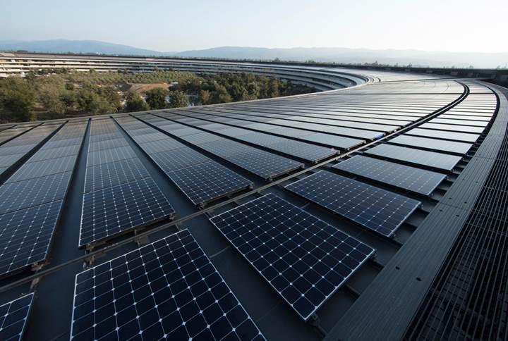 Apple, tesislerinin artık tamamen yenilenebilir enerjiyle çalıştığını duyurdu