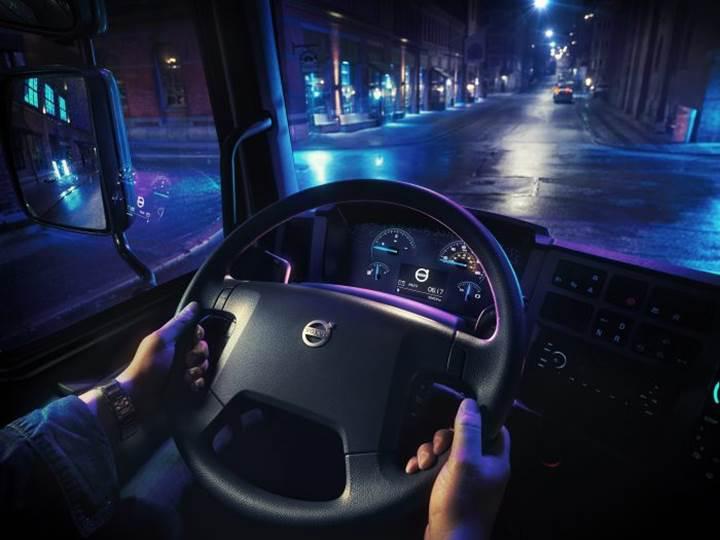 Volvo Trucks, 300km menzilli ilk elektrikli kamyonunu tanıttı