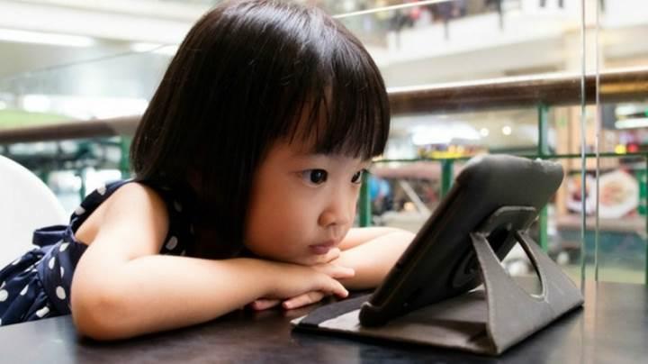 Binlerce Android uygulamasının çocukları takip ettiği ortaya çıktı
