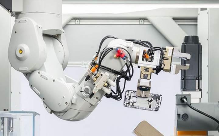 Apple'ın, saatte 200 iPhone'u parçalarına ayıran yeni robotu Daisy ile tanışın