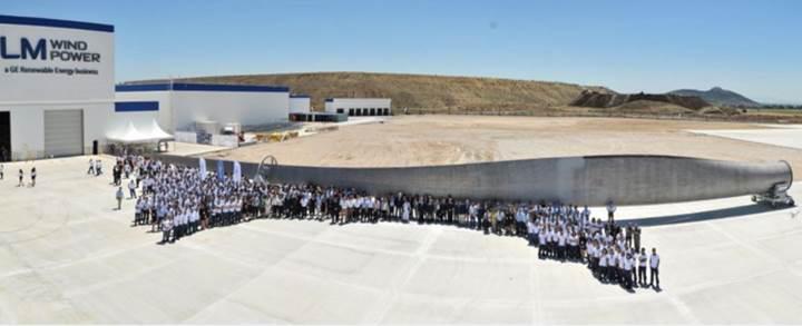 İzmir'den Avustralya'ya: LM Wind'den rüzgar türbini kanadı ihracatı