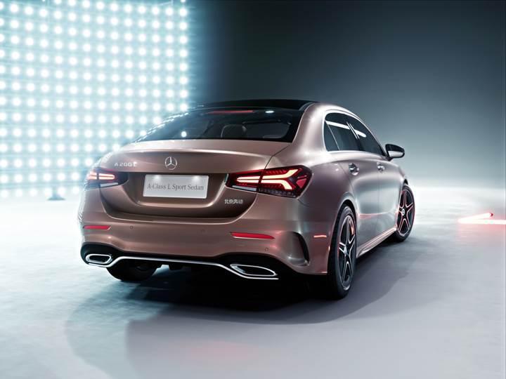 Mercedes A Sınıfı Sedan resmi olarak tanıtıldı