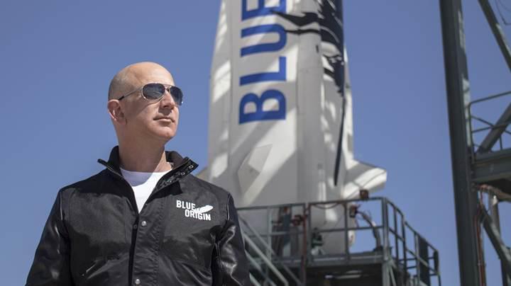 Jeff Bezos, ilk uzay turistlerini bu yıl içerisinde yörüngeye fırlatabilir