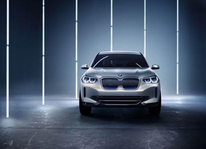BMW, X3 modelinin elektrikli versiyonunu konsept olarak tanıttı