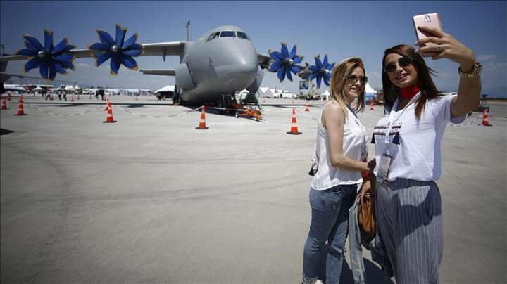 Ülkemizin şova dayalı ilk havacılık fuarı olan Eurasia Airshow, Antalya'da başladı