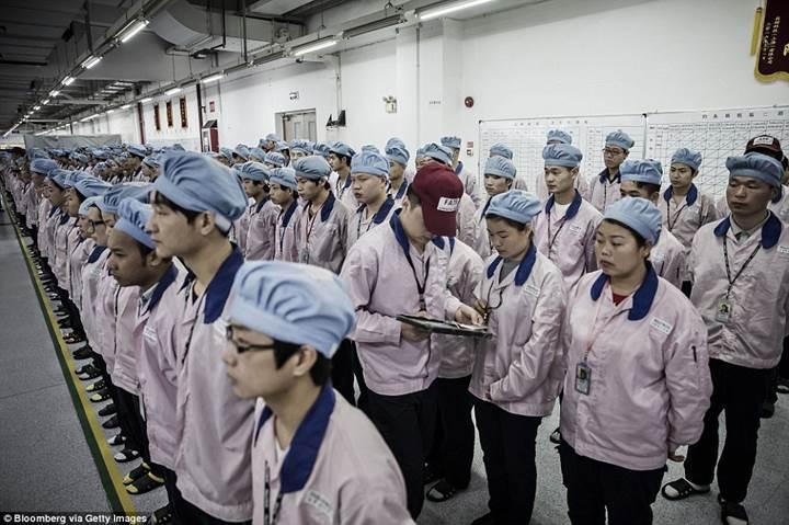 Çinli şirketler kârlarını arttırmak için, işçilerin beyinlerinde veri madenciliği yapıyor