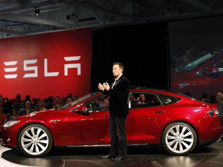 Elon Musk, Tesla Model Y'nin üretim tarihini açıkladı