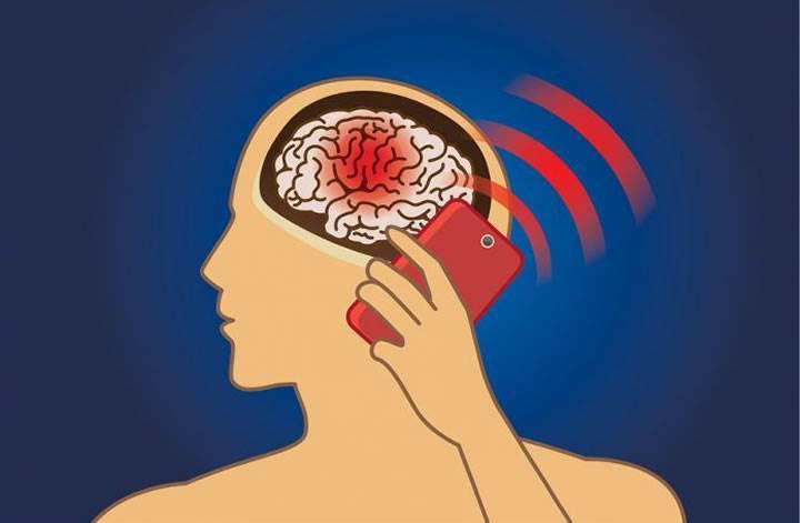 Bilim adamları açıkladı: Cep telefonunun beyin tümörü yaptığına dair kanıt yok