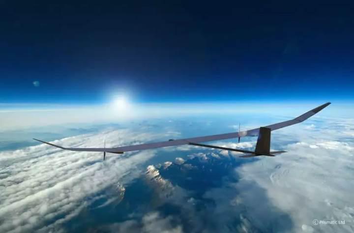 Tek seferde bir yıl boyunca uçabilen güneş enerjili Drone üretildi