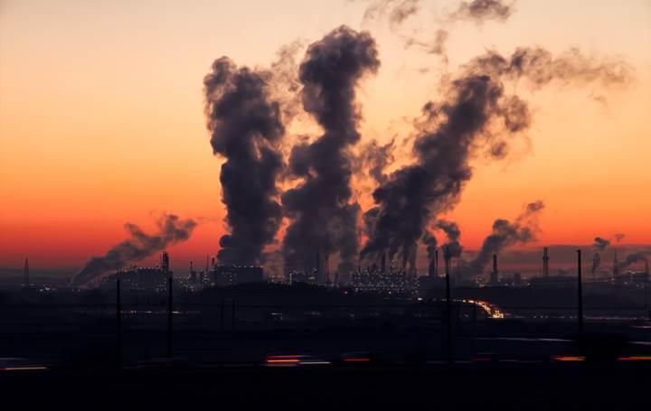 Atmosferdeki karbondioksit miktarı insanlık tarihindeki en yüksek seviyeye ulaştı