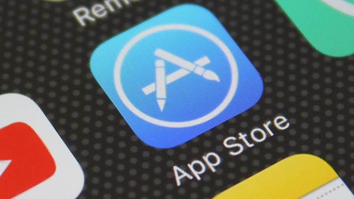 Apple'dan geliştiricilere uyarı: Uygulamalar Temmuz ayına kadar çentikli iPhone X'u desteklemeli