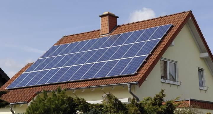 Kaliforniya'da yeni evlere güneş enerjisi paneli zorunluluğu getirildi
