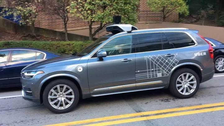 Uber, sürücüsüz araç testlerine devam etmek istiyor
