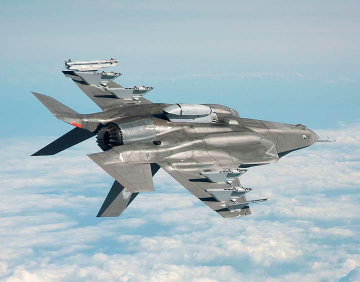 Türkiye'ye gelecek F-35 savaş uçağı ilk kez havalandı