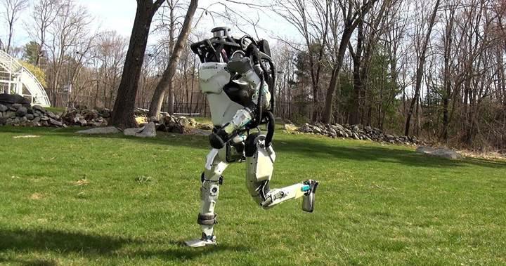 Boston Dynamics'in ünlü robotu Atlas, açık havada egzersiz yapmaya çıktı
