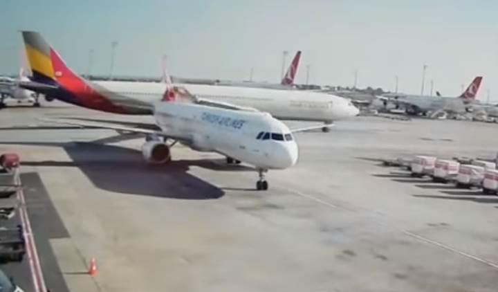 Atatürk Havalimanı apronunda uçak kazası [video]