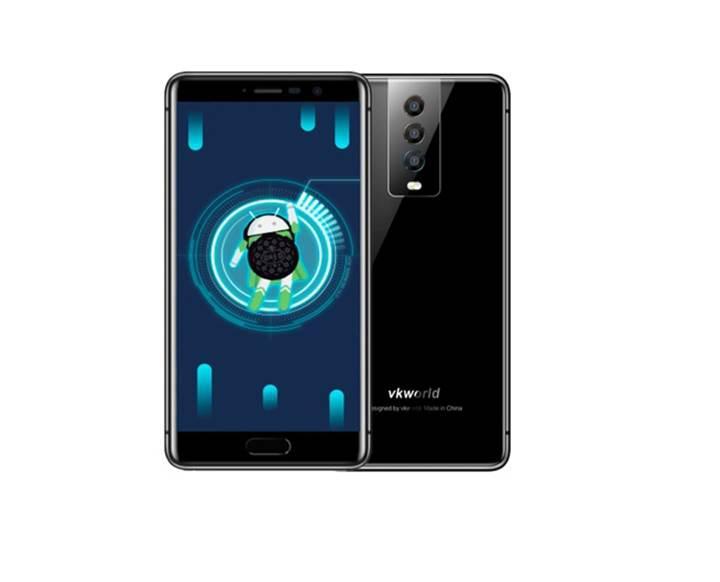 Üç kameralı ikinci telefon da Çin'den geliyor