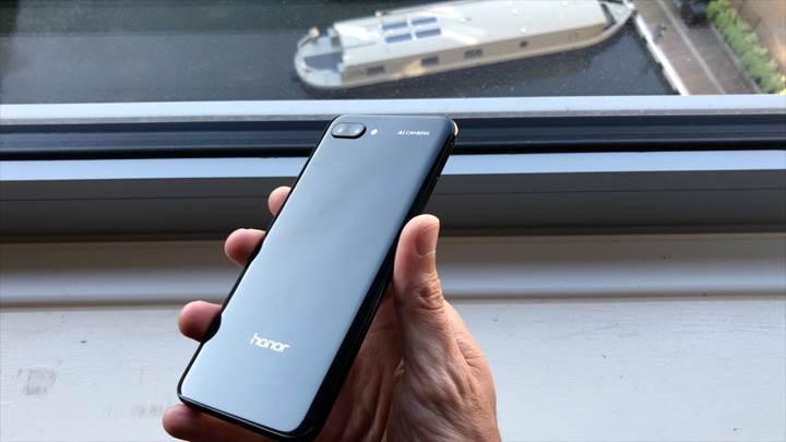 Honor 10 ön inceleme 'Huawei P20'nin uygun fiyatlı hali'