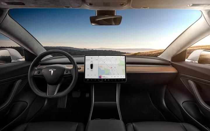 Elon Musk, çift motorlu Tesla Model 3'ün bazı teknik detayları ve fiyatını açıkladı