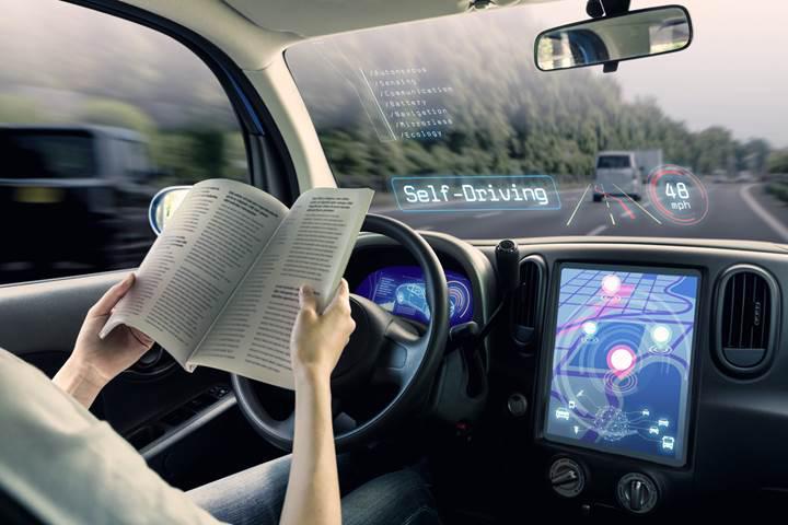 Sürücüsüz araçlar tıpkı insanlar gibi şerit değiştirmeyi öğrenecek