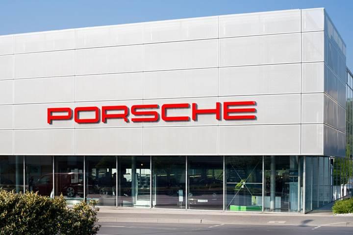 Alman otomobil devi Porsche, Windows 10'a geçiyor