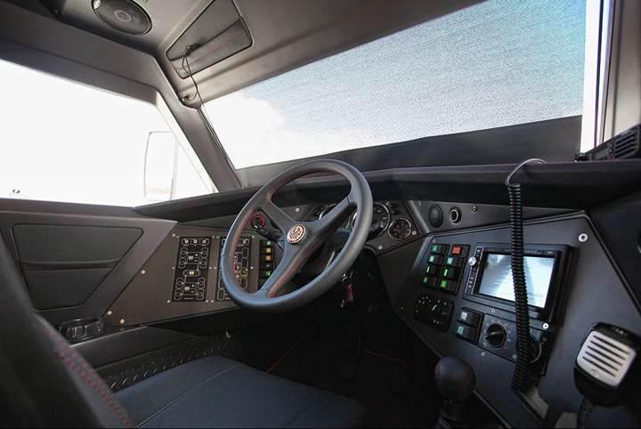 Avtoros Shaman 8x8, devasa boyutlarıyla Top Gear'a konuk oldu [Video]