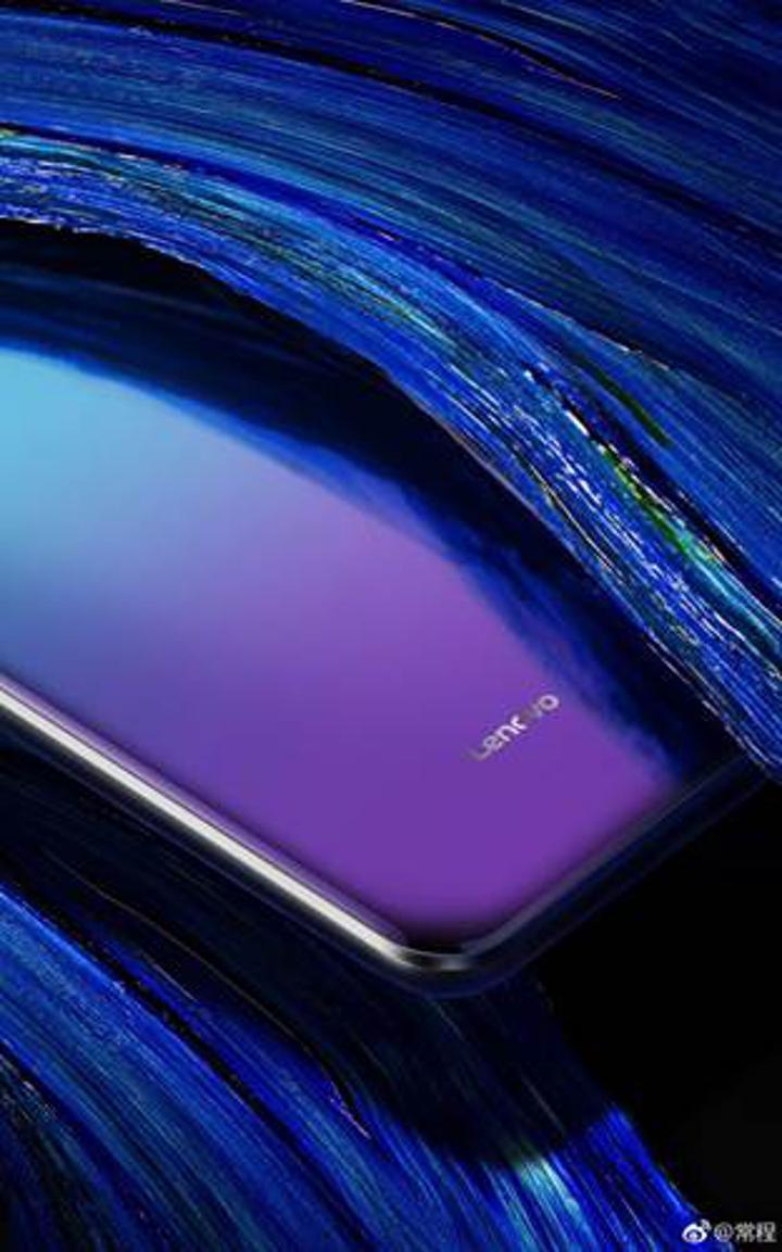 Lenovo Z5'in yeni görseli, renk geçişli bir arka panele sahip olacağını gösteriyor