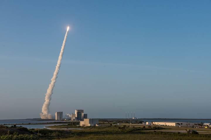 Fırlatılan roketler ozon tabakasını tahrip edebilir
