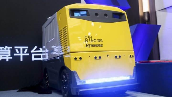 Alibaba'dan çok fonksiyonlu teslimat robotu: G Plus